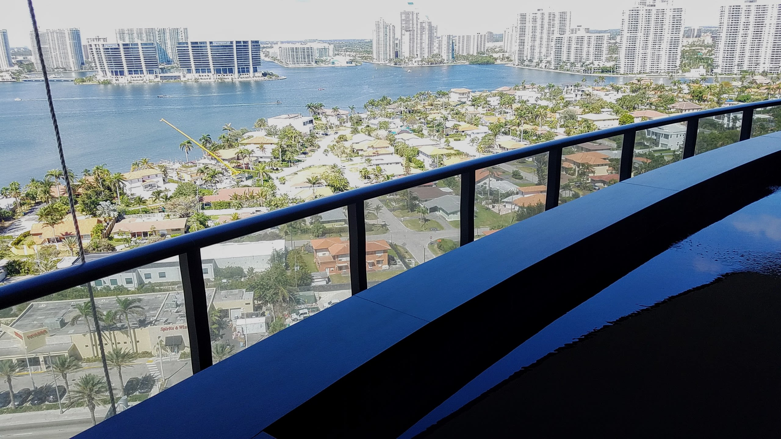 Fernando JUST LISTED. Skyvilla 1903. BEST PRICED IN TOWER.