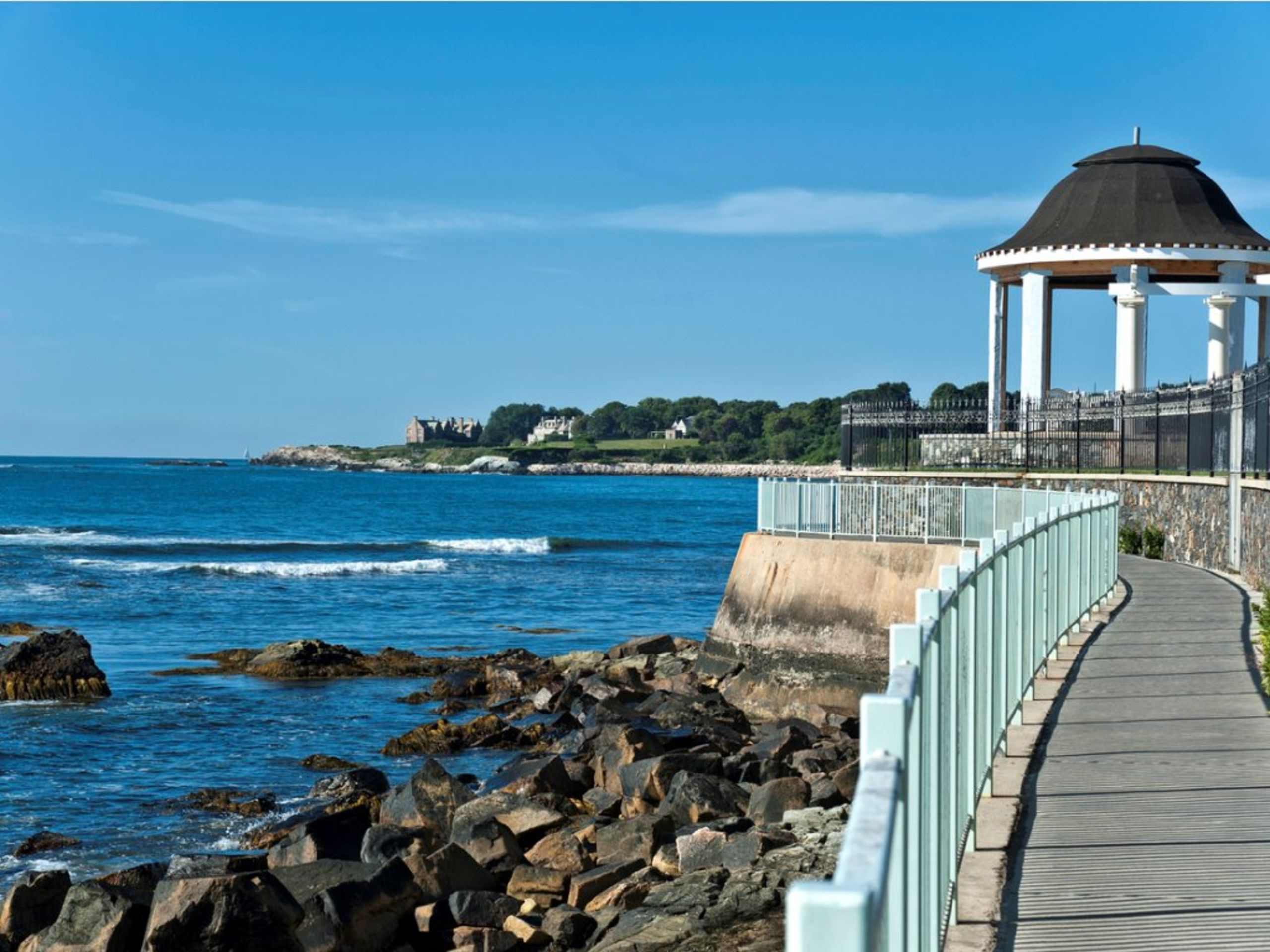 Newport's Famous Cliff Walk