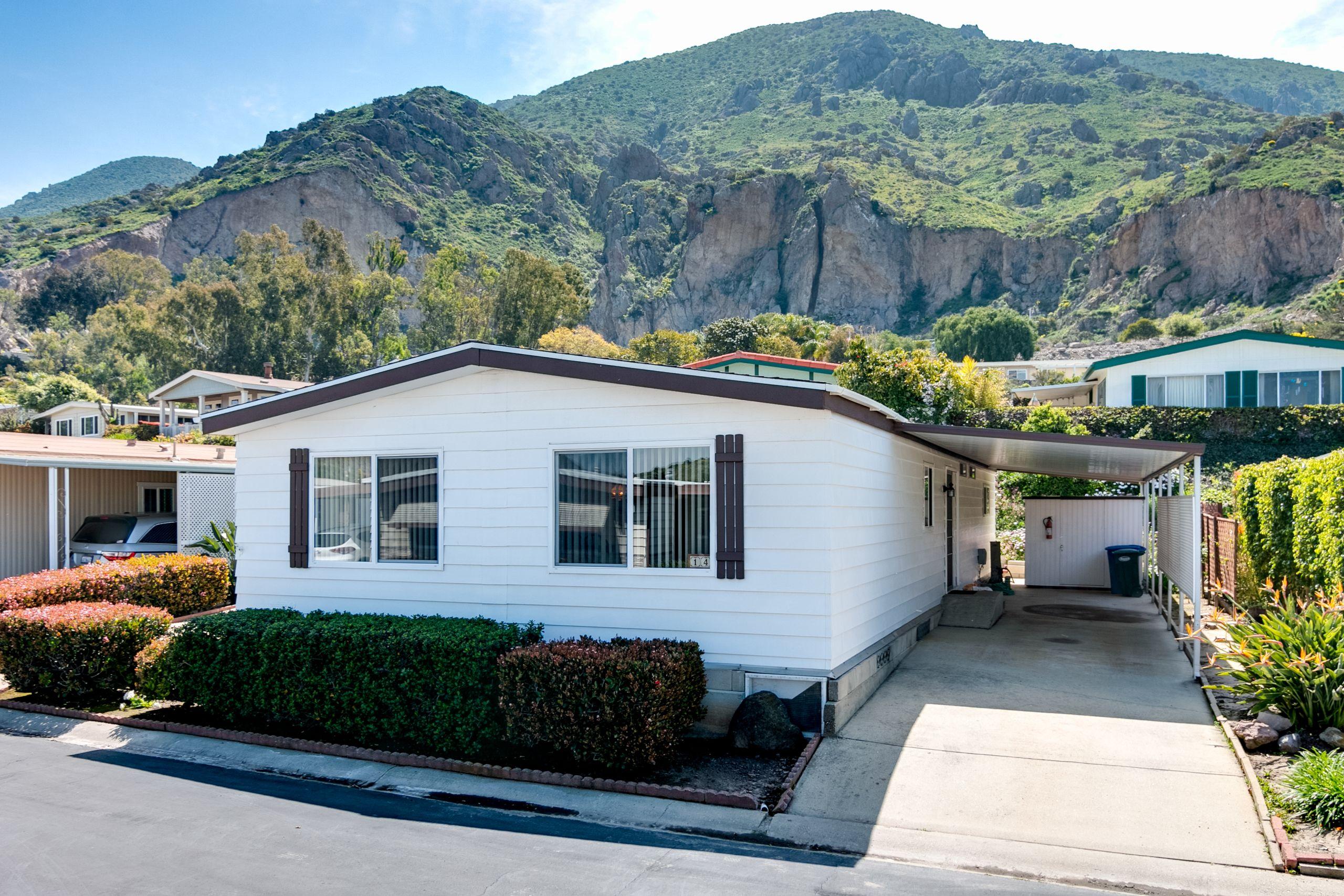 14 Gitana Avenue, Camarillo Springs