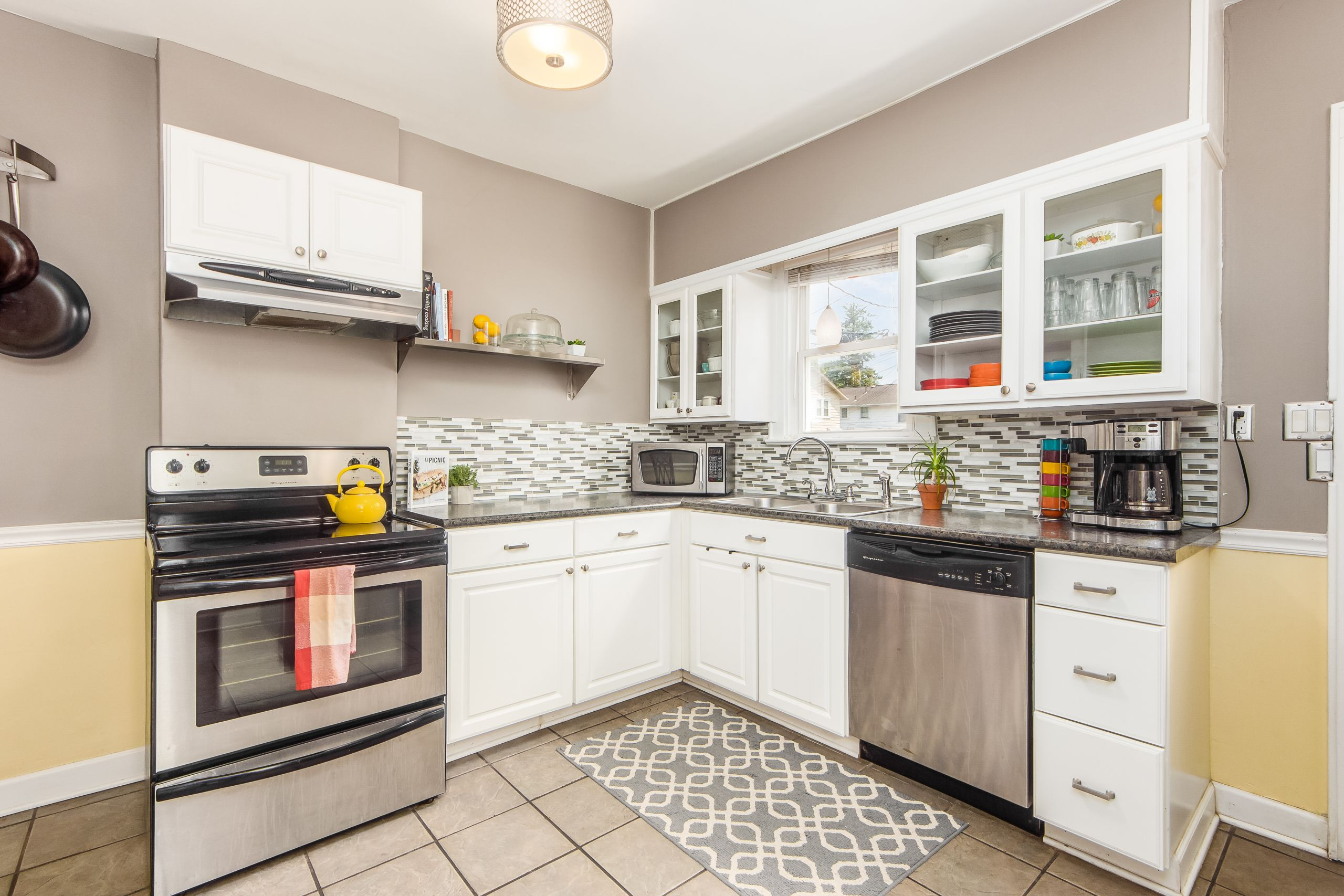 Tour the home in Grandview Heights