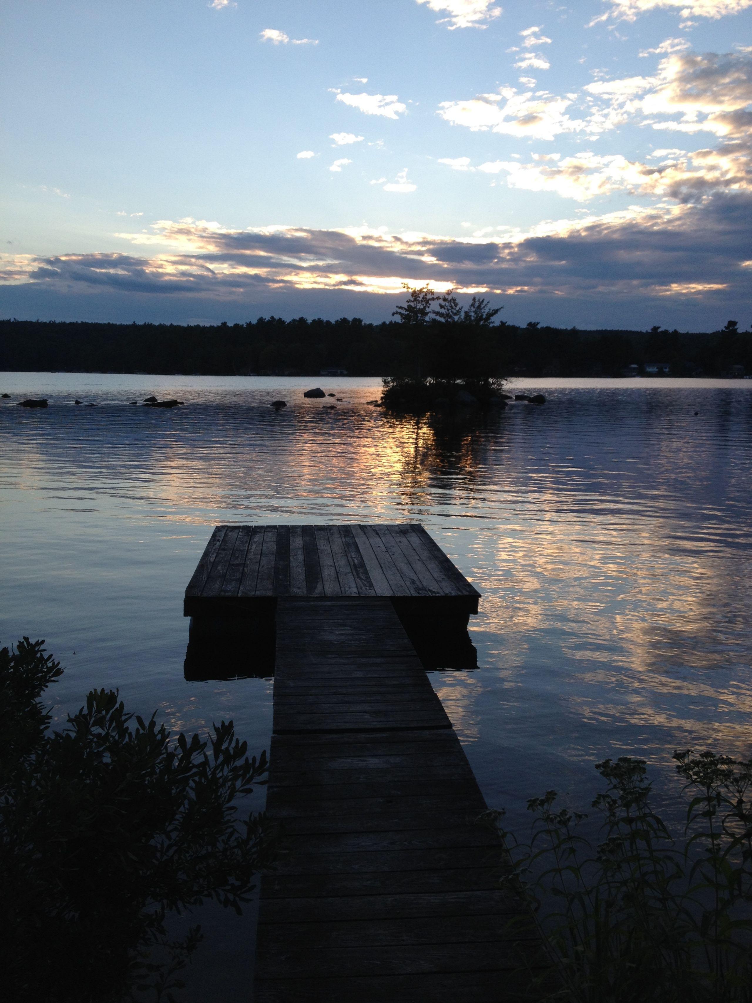 Live on a lake and enjoy all 4 seasons