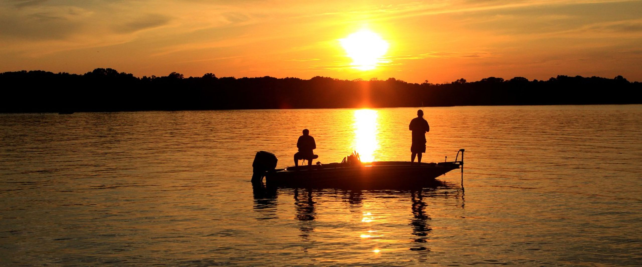 TRANQUIL FISHING AT SUNRISE IN THE INDIAN RIVER LAGOON