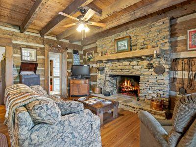 Lake Junaluska c. 1800's Authentic Log Cabin w/ Updates