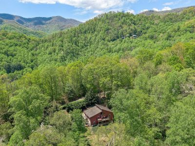 FOR SALE! Turn-Key Vacation Rental in Haywood County