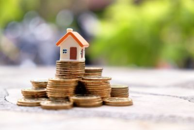 2021 Record Real Estate Year, Pace May Slow Experts Say