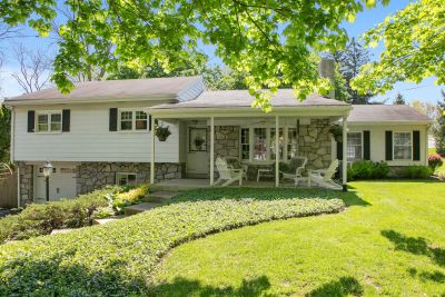 Just Listed – 214 8th Avenue