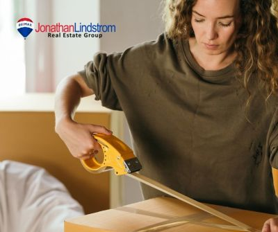 How To Pack For A Move When You're Selling