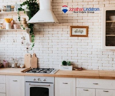 TAKE 5: TIPS FOR MAXIMIZING A SMALL KITCHEN
