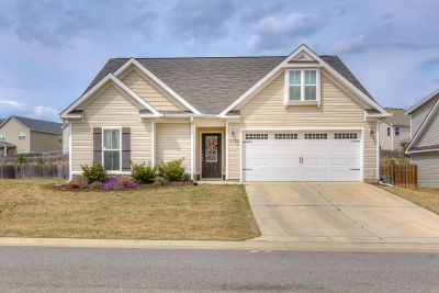 Adorable 3 Bedroom Ranch, Just Minutes from Fort Gordon!