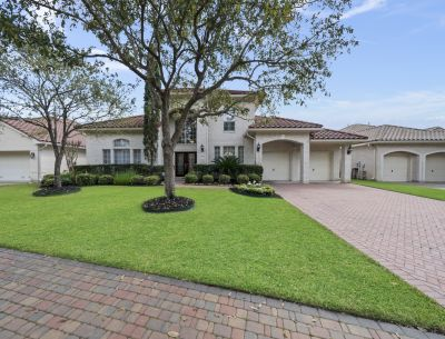 A Lovely Lakefront Home in Lovely Gated Windsor Park Lakes