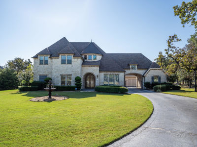 130 Eagles Peak Lane Double Oak – Open House!