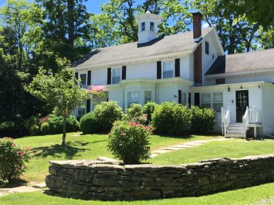 RECENT SALE: Staatsburg, NY $1,200,000 Represented Seller