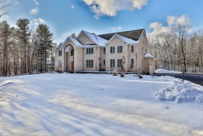 Take a Tour of this Stunning Atkinson Colonial Home with Me!