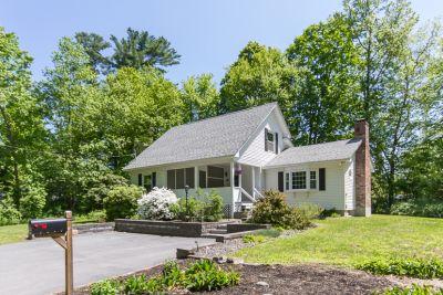 Salem 3BR Cape, New to Market $380,000