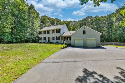 Newly For Sale in Danville – 3+BR Colonial on 3.91 acres!