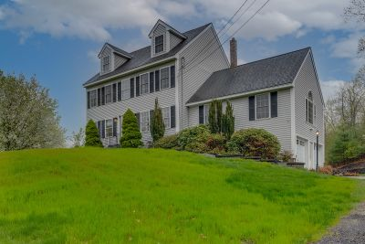 Newton, NH Colonial with IG Pool, NEWLY Listed FOR SALE!