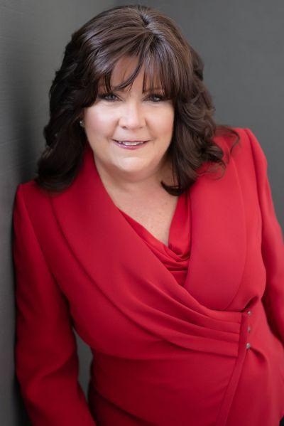 Elizabeth Schultz, Broker / Realtor