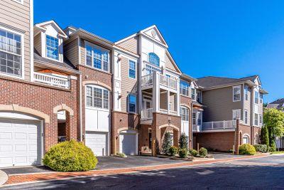 OPEN HOUSE – 10/3/21 1-4 PM 7880 Rollingwood Ct. #405