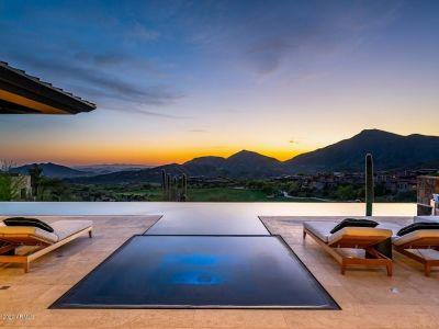15 Celebrities Who Call Scottsdale Arizona Home