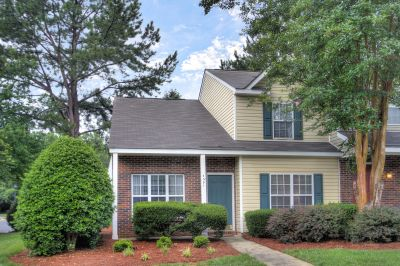 Just Listed – A new beginning in the University/NorthLake Area