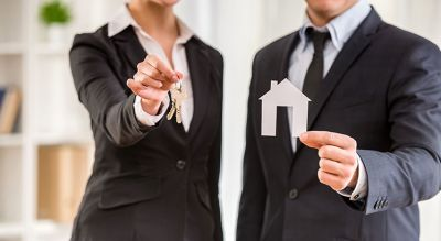5 Reasons to Hire a Real Estate Professional When Buying & Selling!