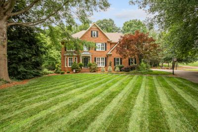 JUST LISTED! 113 Suntree Court, Advance