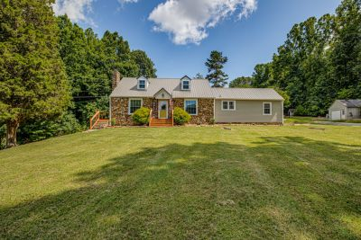 JUST LISTED! 3930 Sawmill Road, Winston-Salem