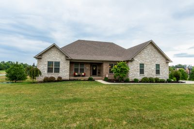 *205 Stable Way Nicholasville, KY 40356*