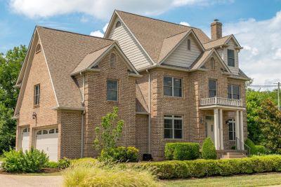 NEW PRICE  $539,900  4153 John Alden Ln Lexington, KY 40504
