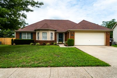 NEW LISTING 561 Southbrook Dr Nicholasville, KY 40356
