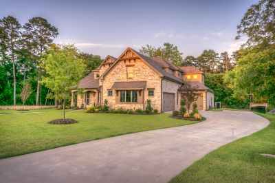 Vital Things for Seniors to Consider When Shopping Around for a New Home
