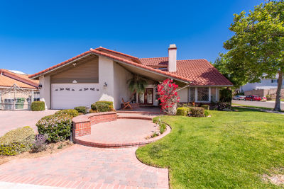 5417 Mohave Dr Simi Valley, CA 93063