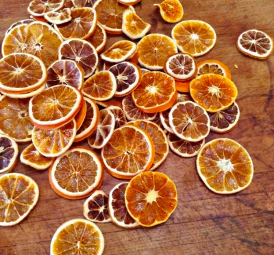 DYI: Orange Slice Garland