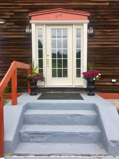 Listing Spotlight: 576 North Auburn Road in Auburn, Maine