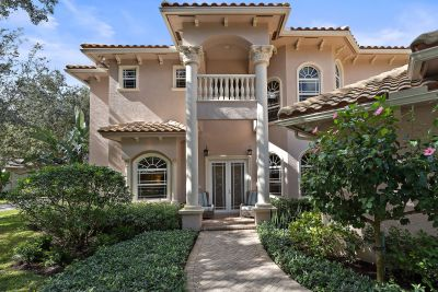 Gorgeous Home in Heritage Oaks