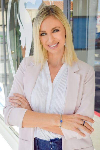 Liz Saldana, Broker