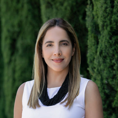 Elena Vera