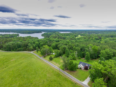 Awesome Home with 2 Acres near Hyco Lake!