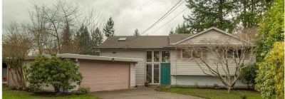 New listing in Bellevue! Turnkey Condition.