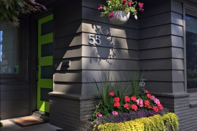 8 Smart Choices for Curb Appeal
