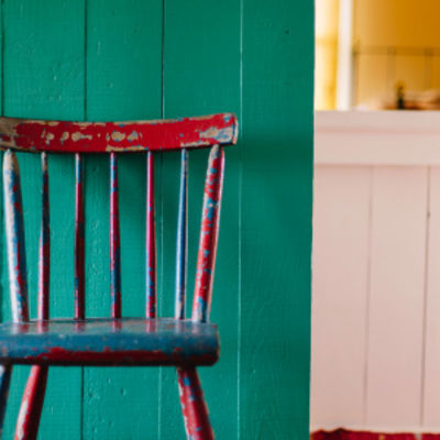 7 Ideas to Use Paint to Restore Worn-Out Things in Your Home