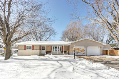 2308 Balsam Way, Ashwaubenon