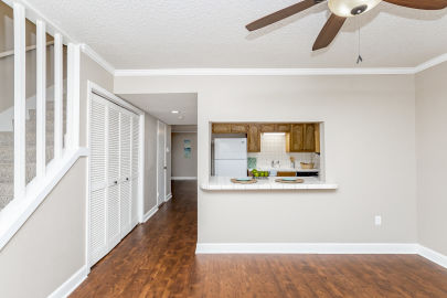 2BR townhome is nestled into one of the most desirable areas of Baton Rouge