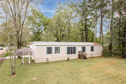 Mobile home for sale in Livingston