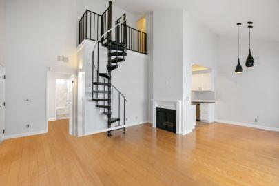 NEW LEASE LISTING: 2 Beds + 2 Baths + Bonus Loft/Office Space Top-Floor Unit in Los Angeles