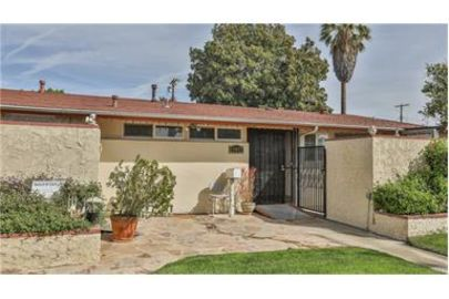 Business Opportunity & Beautiful Home!