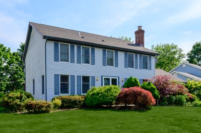 New Listing in Plainsboro