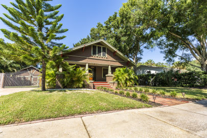 Stunning Updated Bungalow close to downtown St Pete