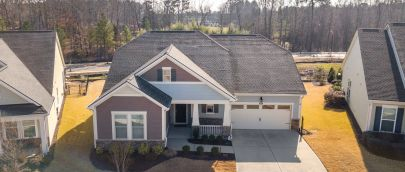 New Listing in Creekside at Bethpage!