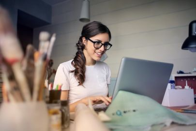 Virtual Real Estate Assistants: The Pros And Cons